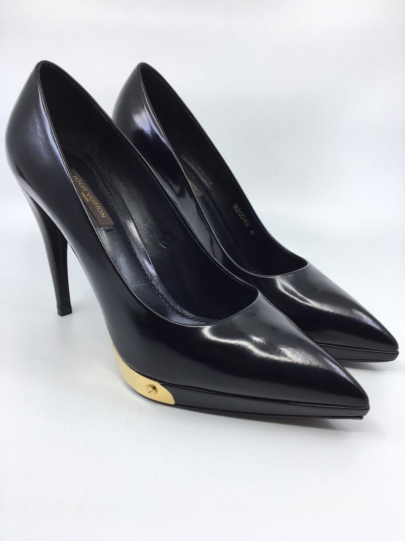 Louis Vuitton Gold Sole Pump - Luxuria & Co.