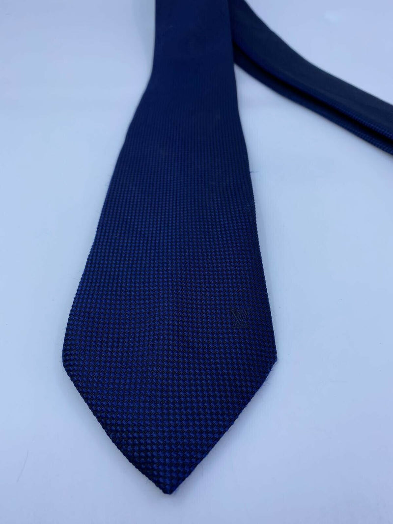 Louis Vuitton Uniformes Woven Navy Silk Tie - Luxuria & Co.