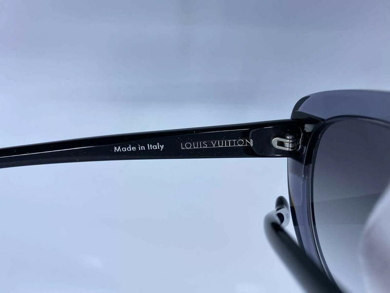 Louis Vuitton Peony Black W Sunglasses - Luxuria & Co.