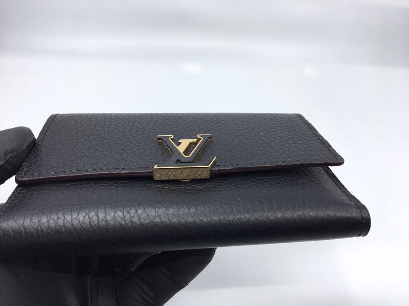 Louis Vuitton Capucines Compact Wallet Noir - Luxuria & Co.