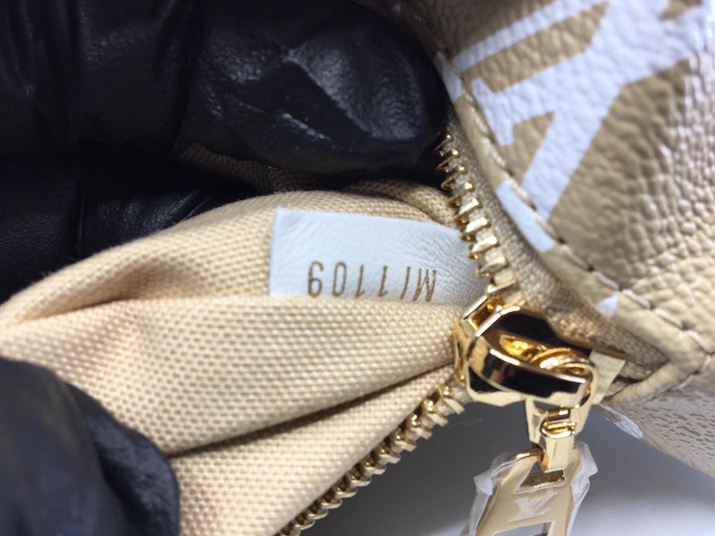 Louis Vuitton Bumbag Giant Monogram Khaki - Luxuria & Co.