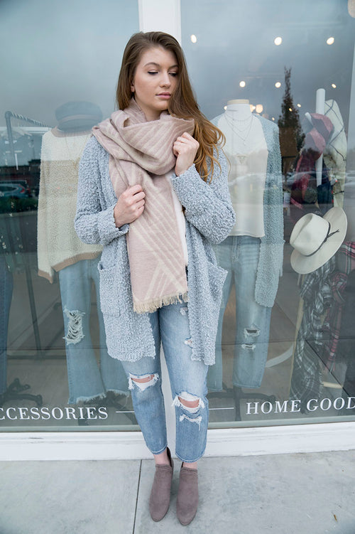 Geometric Pattern Scarf (Light Pink)
