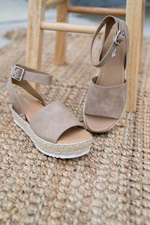 Hot Topic Espadrille Sandal (Beige)
