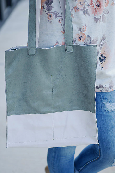 By My Side Tote - Olive FINAL SALE