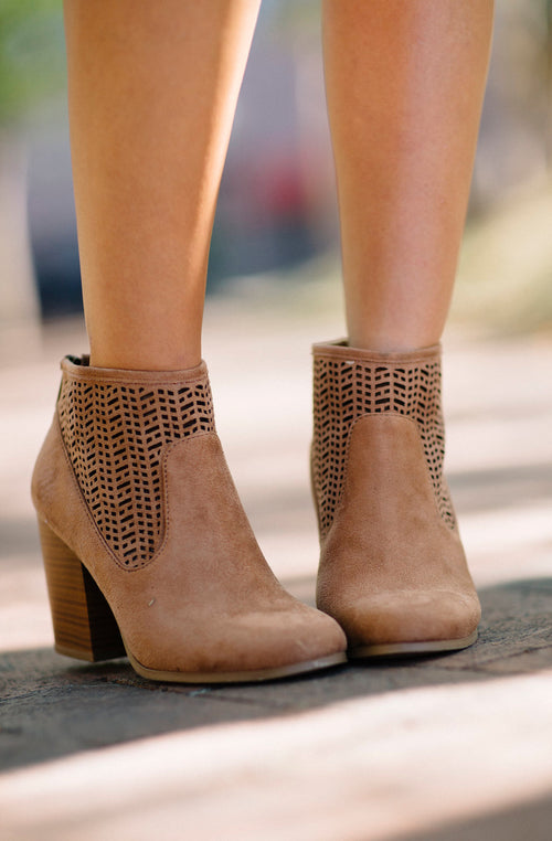 Smooth Strut Bootie - Camel