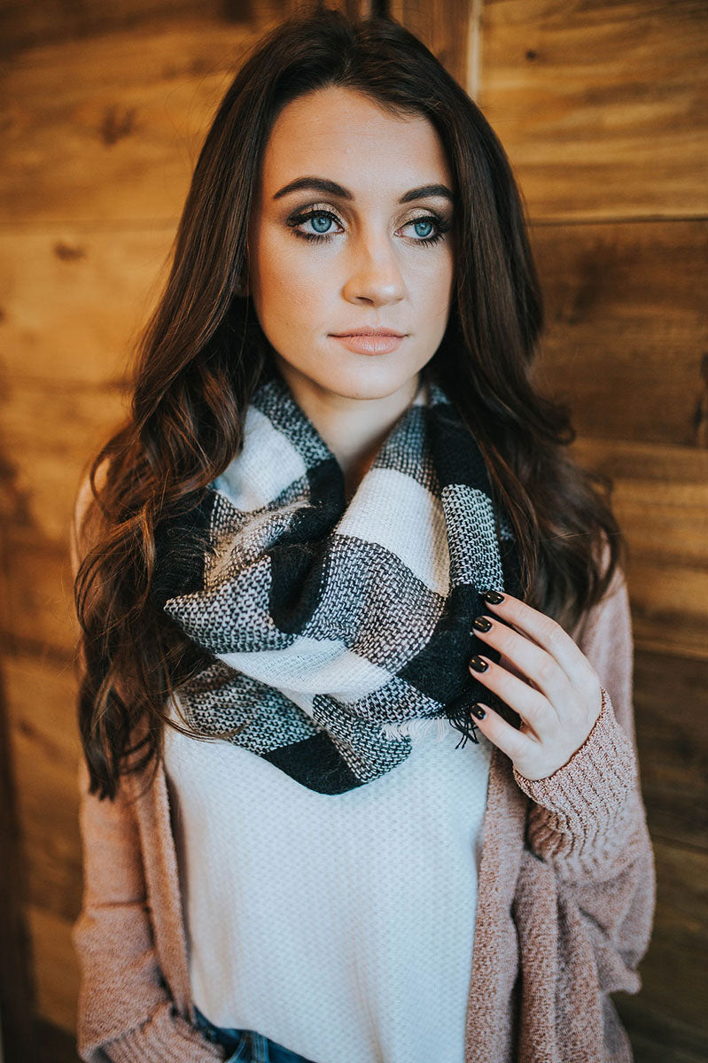 Winter Spirit Buffalo Check Infinity Scarf (Black/White)