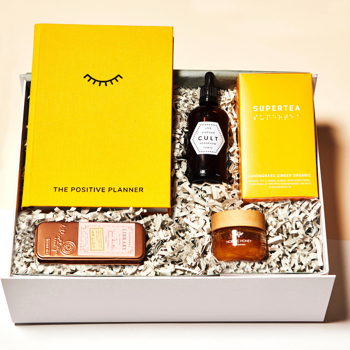 Parcel London blog post moodboard P'inspiration. SELF CARE Parcel gift box. £68