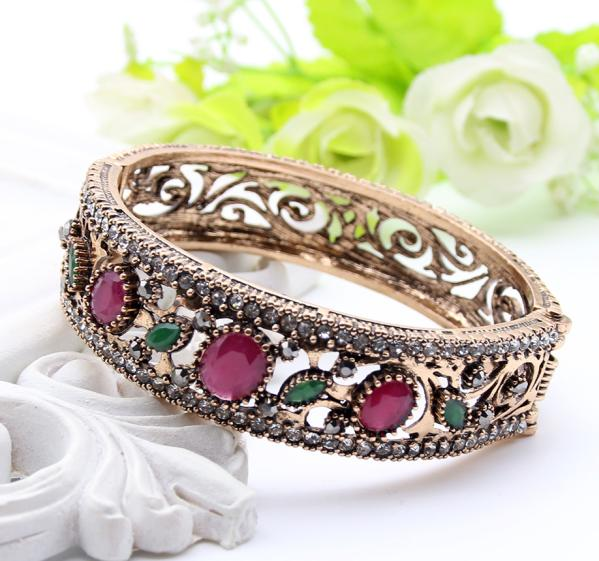 Antique Flower Bracelet