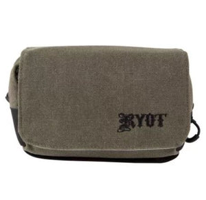 Image of the Front of a Ryot Piper Smell-Safe carry bag Olive