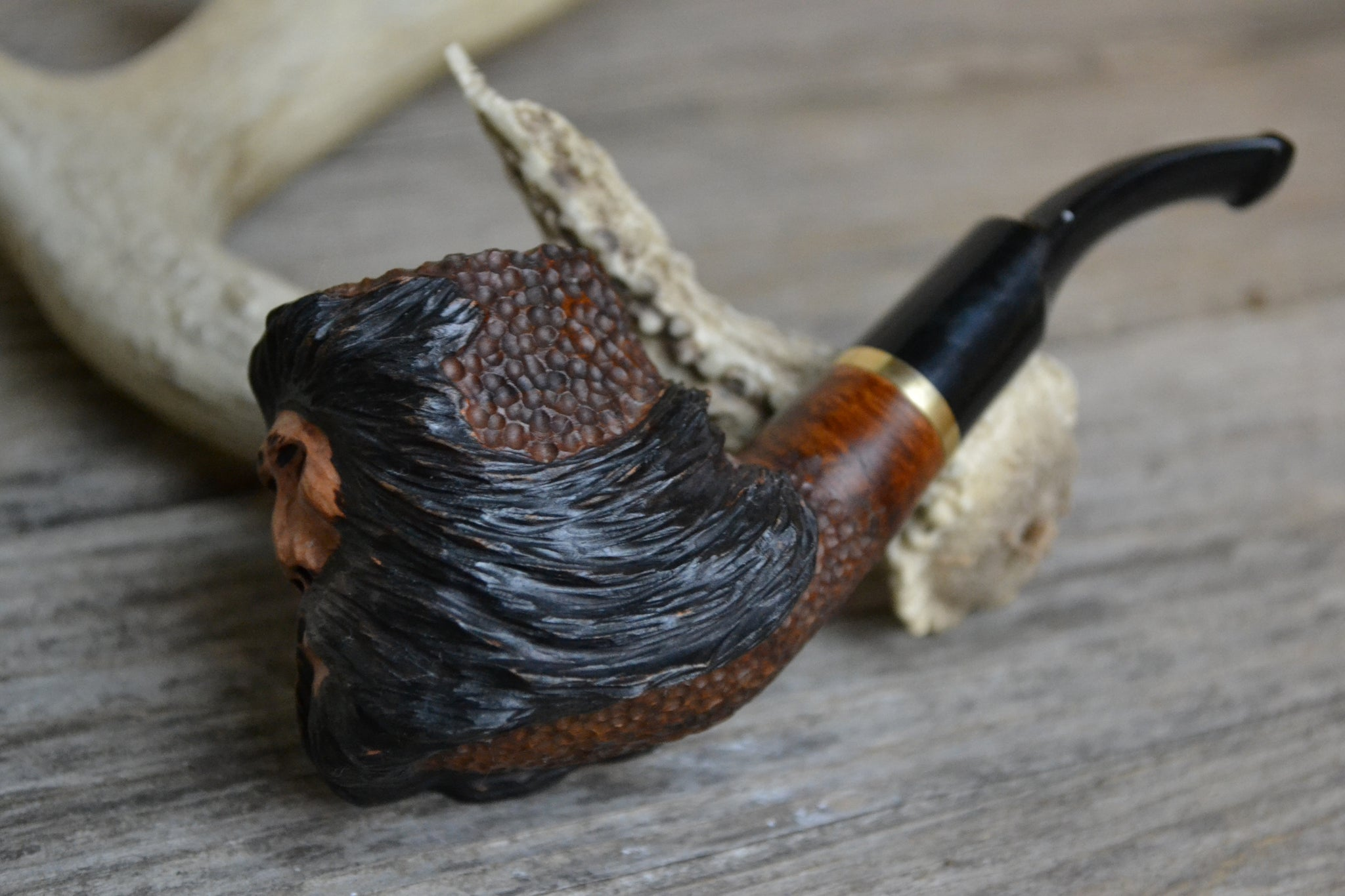 Hand carved hardwood tobacco pipe