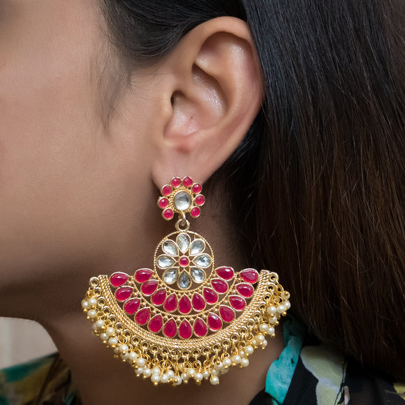 Beautiful pair of Kundan Earrings - The Pink Lane