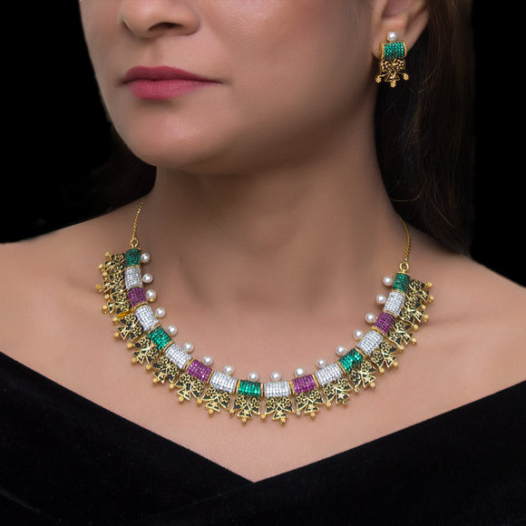 Stunning Multicolored Pearl Studded Necklace Set for Women