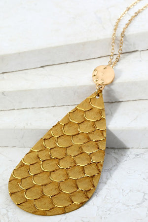 Textured Faux Leather Necklace