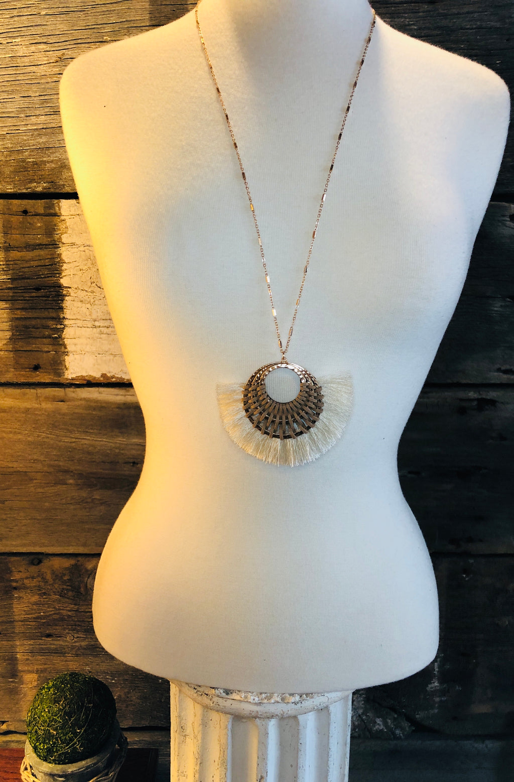 Tassel Fan Circle Pendant Necklace