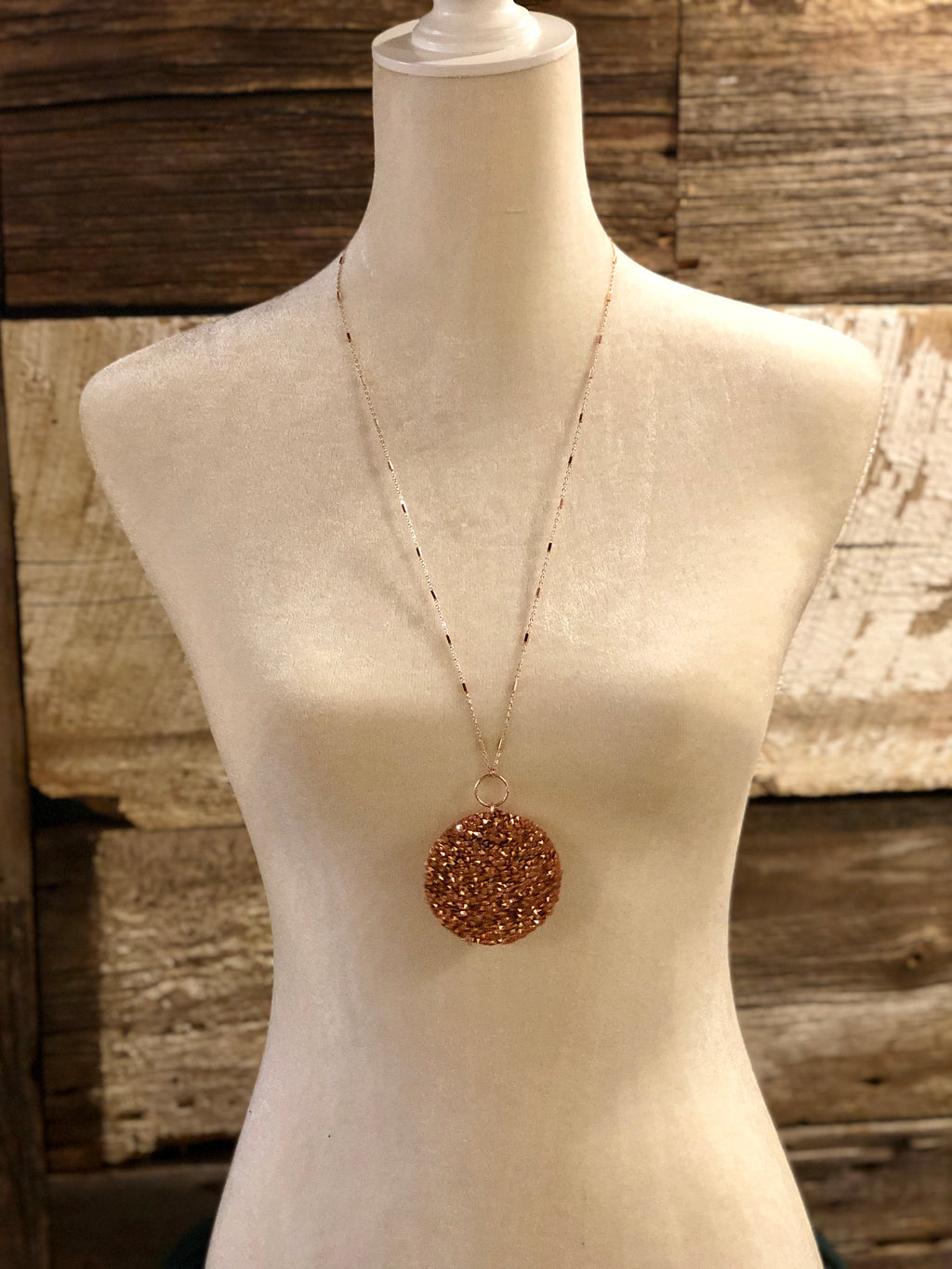 Disc with Glitter Necklace
