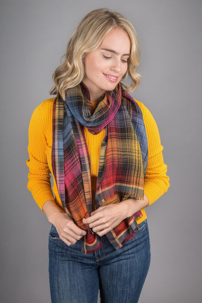 Contrast Plaid Scarf