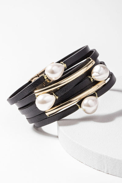 Achai Pearl Leather Bracelet