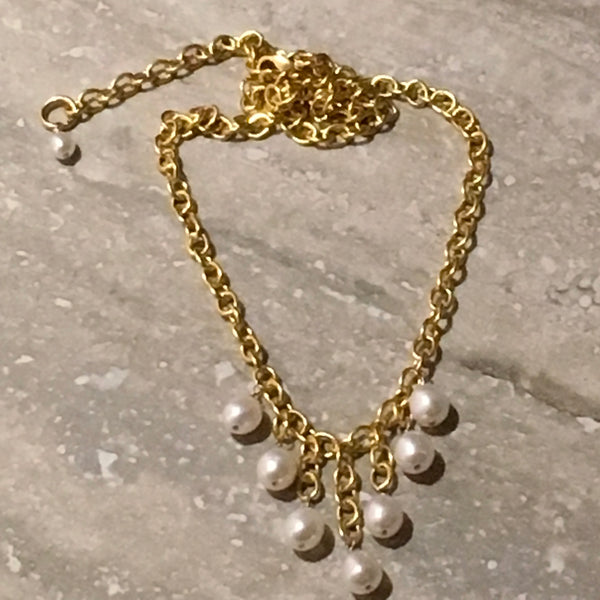 She Always Wears Pearls-- Freshwater Pearl Necklace