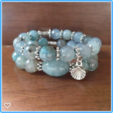 Clear Blue Water Agate Bracelet Set with Petite Silver Sea Shell