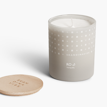 Ro Scented Candle