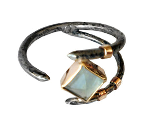 Claw Ring with Apatite