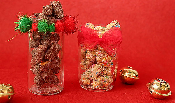 DIY Decorated Christmas Jars With Pretzel Bites