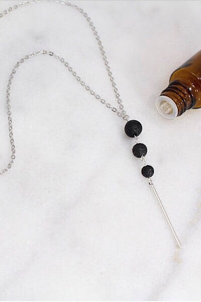 Triple Bead Pendant Bead Oil Necklace
