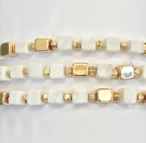 Artisan Jewelry Collection - Bracelet Howlite and Gold