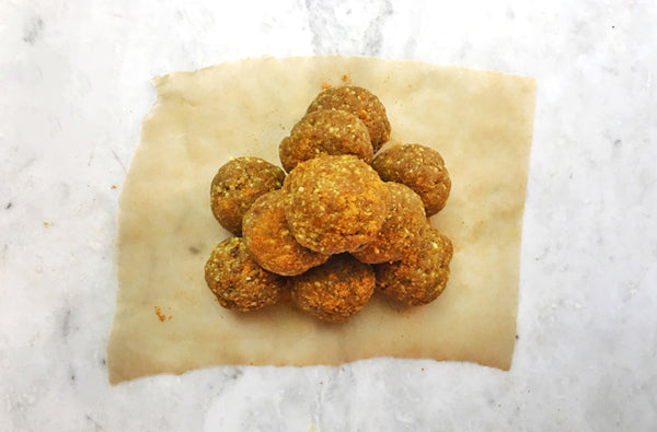 These Turmeric Bliss Balls Are the Perfect Anti-Inflammatory Treat