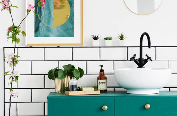 3 Incredibly Easy Ways to Make Your Bathroom Feel Like a Spa