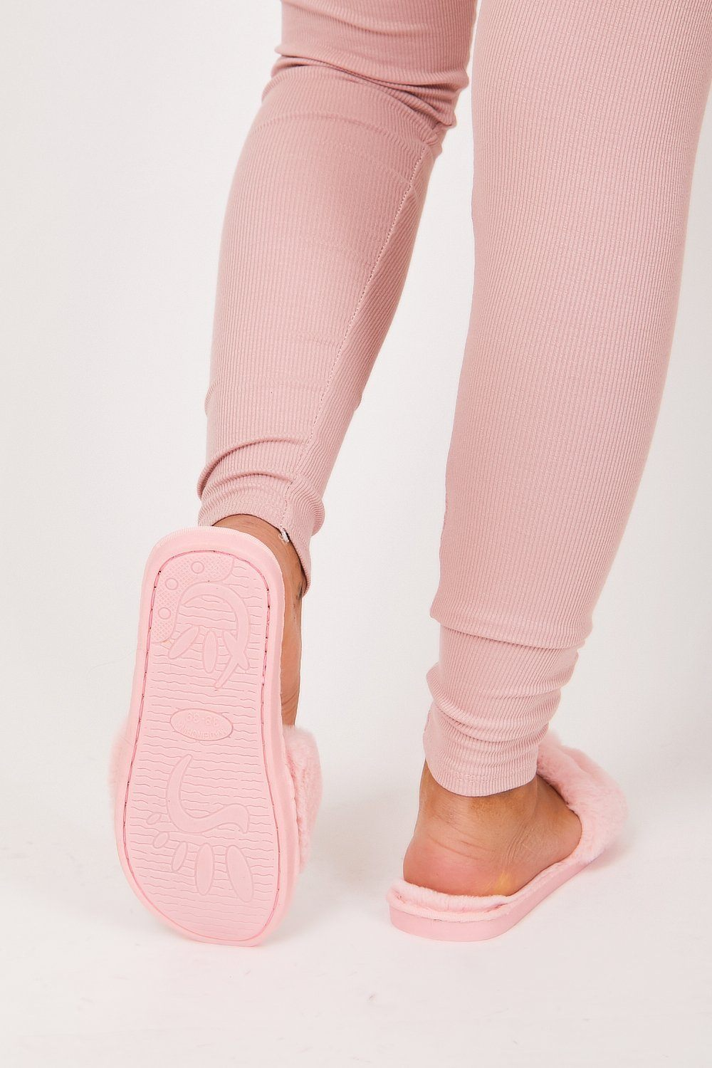 Pink Fluffy Slippers - Charminique