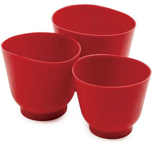 red silicone measuring bowls