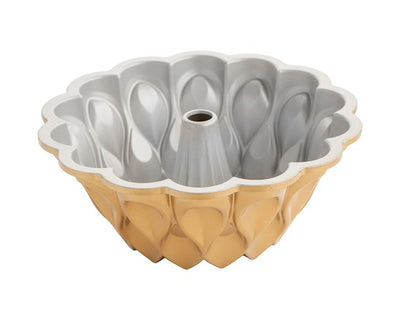 Nordic Ware 10-Cup Crown Bundt Pan in Cast Aluminum