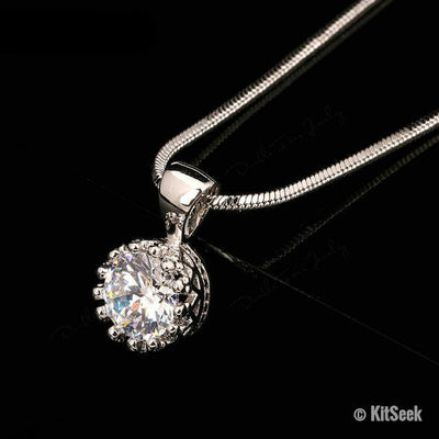 Elegant Crown Pendant Necklace - KitSeek