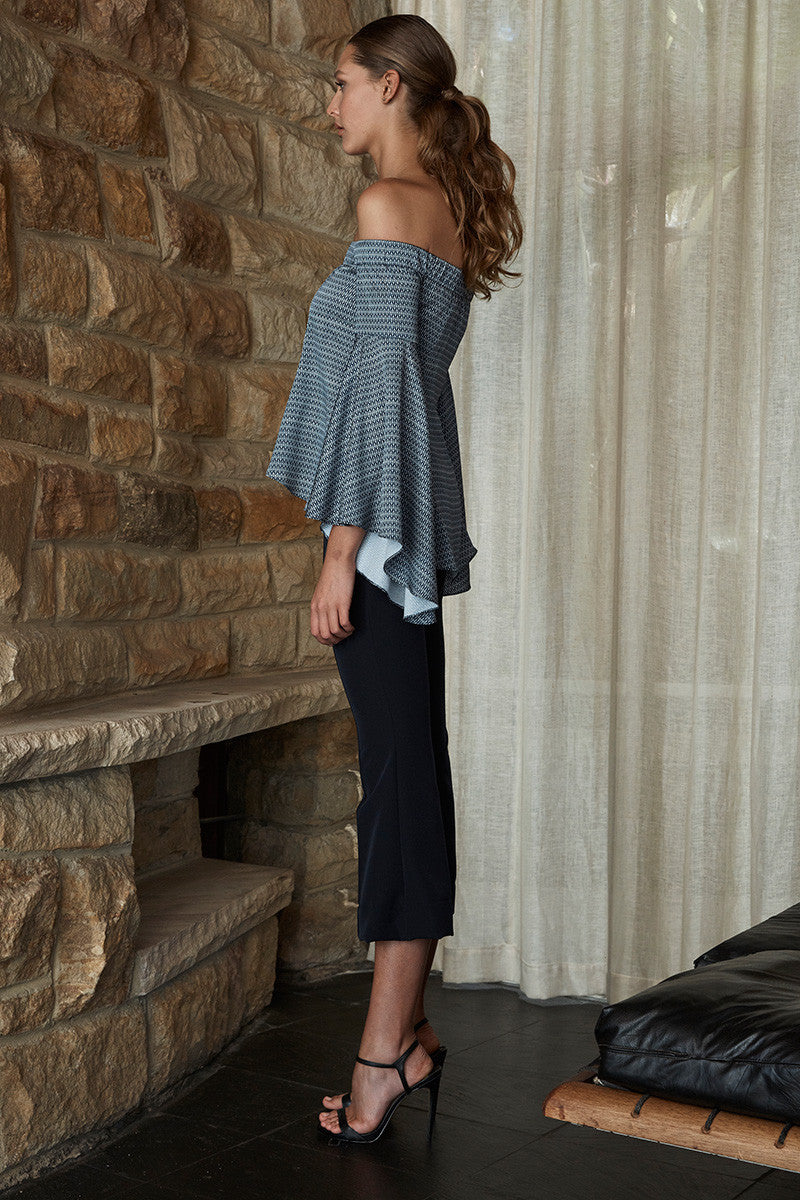 MISTY OFF THE SHOULDER FLARED SLEEVE TOP