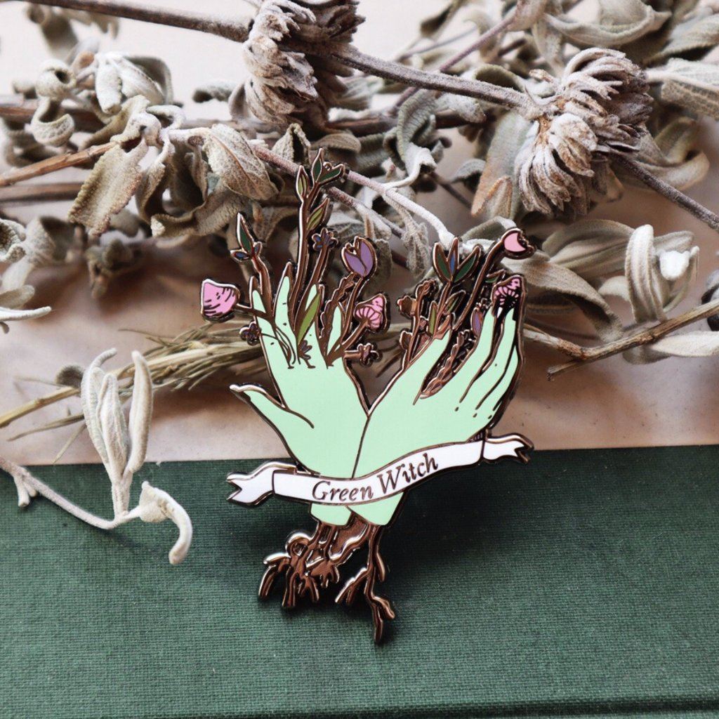 GREEN WITCH PIN BROOCH