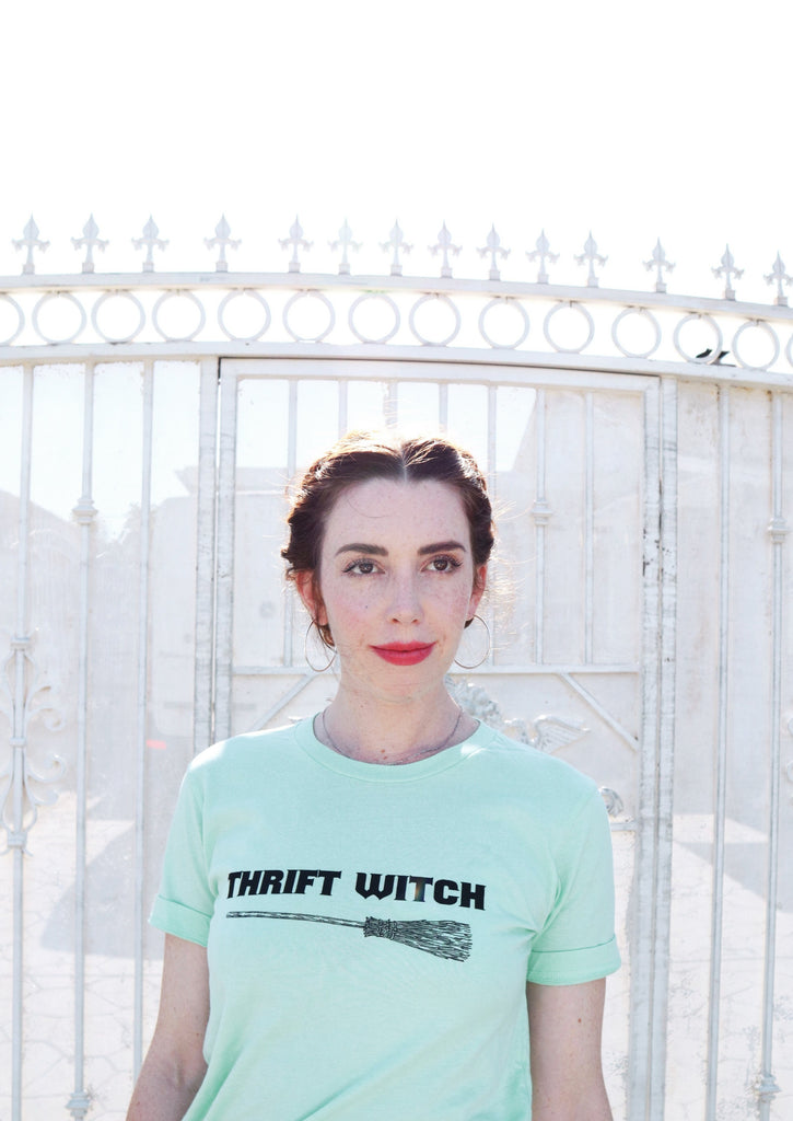 THRIFT WITCH TEE