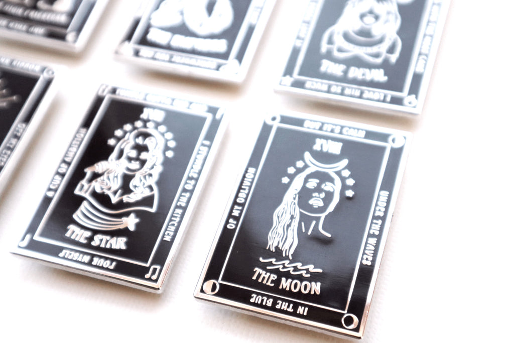 SELENA THE EMPRESS TAROT PIN