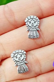 "Silver 925 Muneca ""Lele"" Post Earrings"