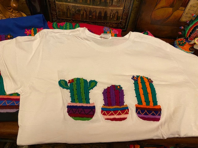 Cactus Embroidered T-shirt Hecho en Mexico
