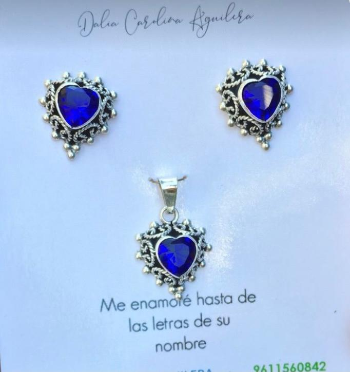Silver 925 Beautiful Royal Blue Stone Earring and Pendant Set
