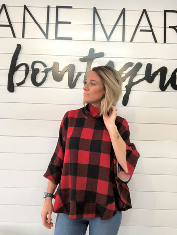 3/4 Sleeve Checkered Knit Poncho Featuring a Cowl Neck and Round Hemline