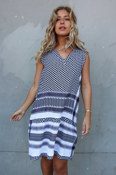 Dress 2 V No Sleeves - Black/White