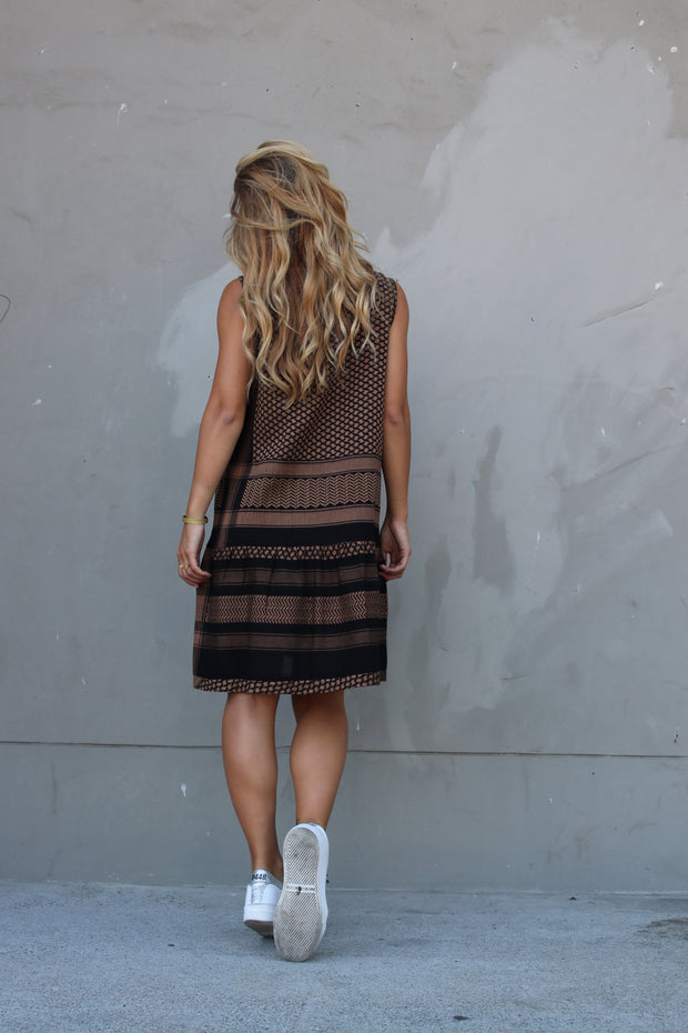 Dress 2 O No Sleeves - Black/Oak