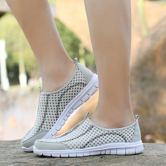 Women Outdoor Breathable Mesh Shoe