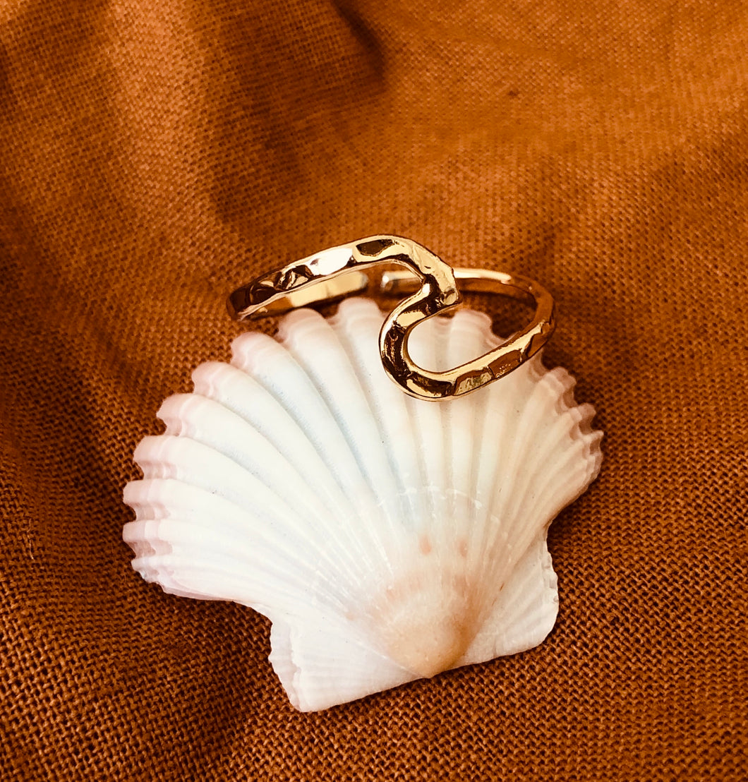 RIPPLED WAVE RING