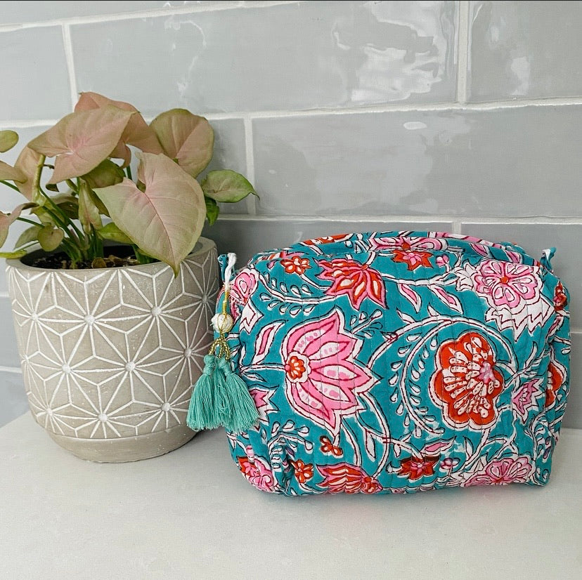 INDIE COSMETIC BAG (FESTIVE)