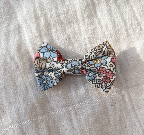 bebe bow clip (flower field)