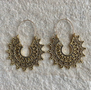 CARLA BRASS EAR HOOPS