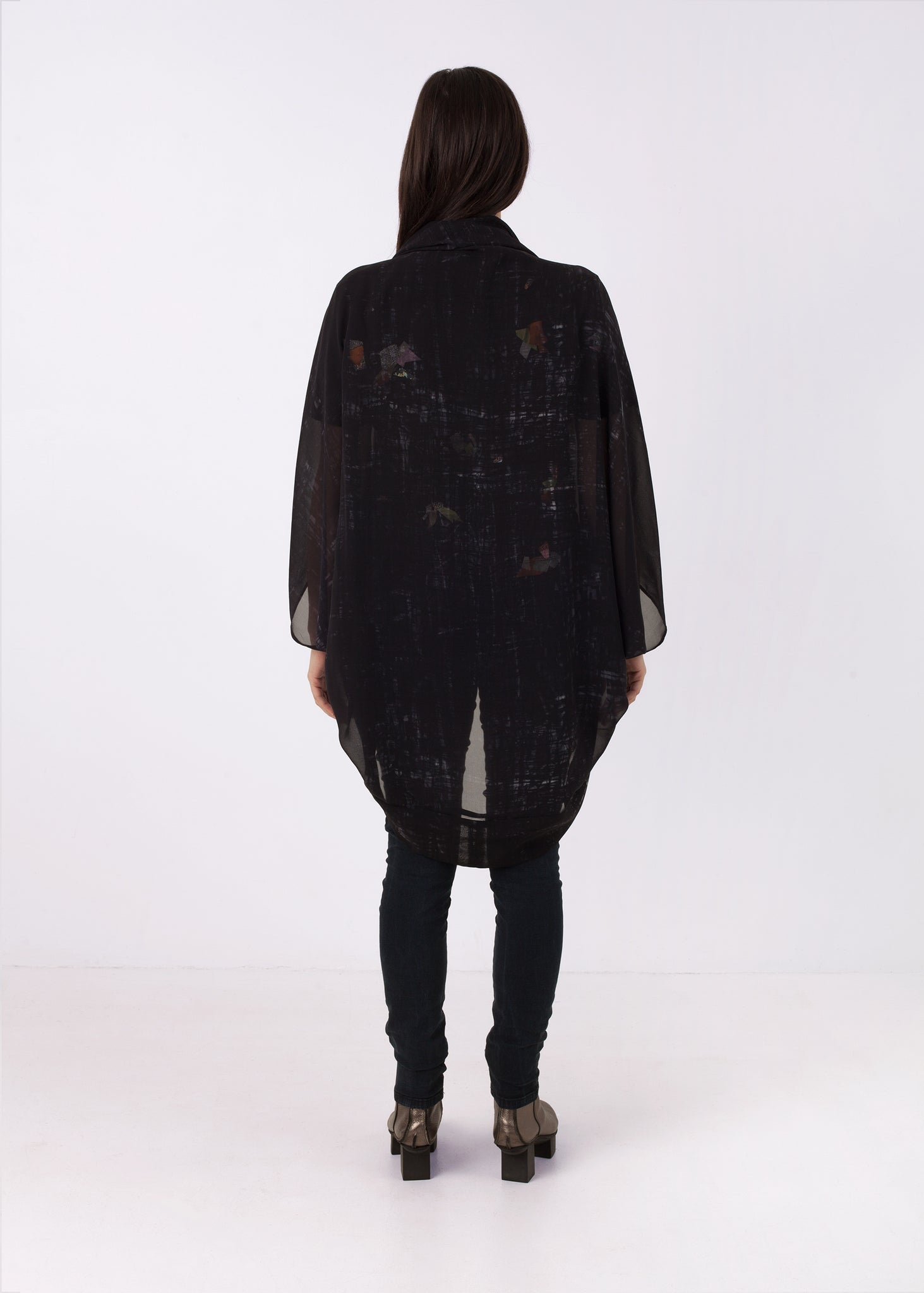 Fraser Crowe Featherweight Kimono Black Square Scribble, ethical fashion, sustainable fashion, designer clothes, plus size clothing, textile print clothing, luxury online fashion